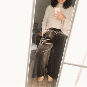 Madewell Stretch Velvet Huston Pull-On Crop Pant ✨